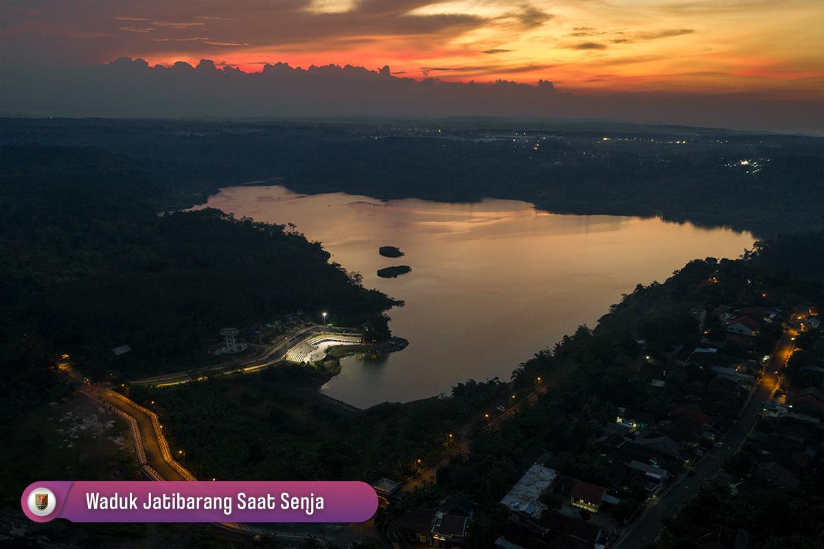 Waduk Jatibarang Semarang Saat Senja